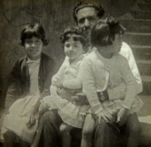 Fernando navarro y sus hijas: erika, monica y patricia