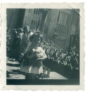 Edith diaz y sus hijas monica y erika, cerro florida 1956